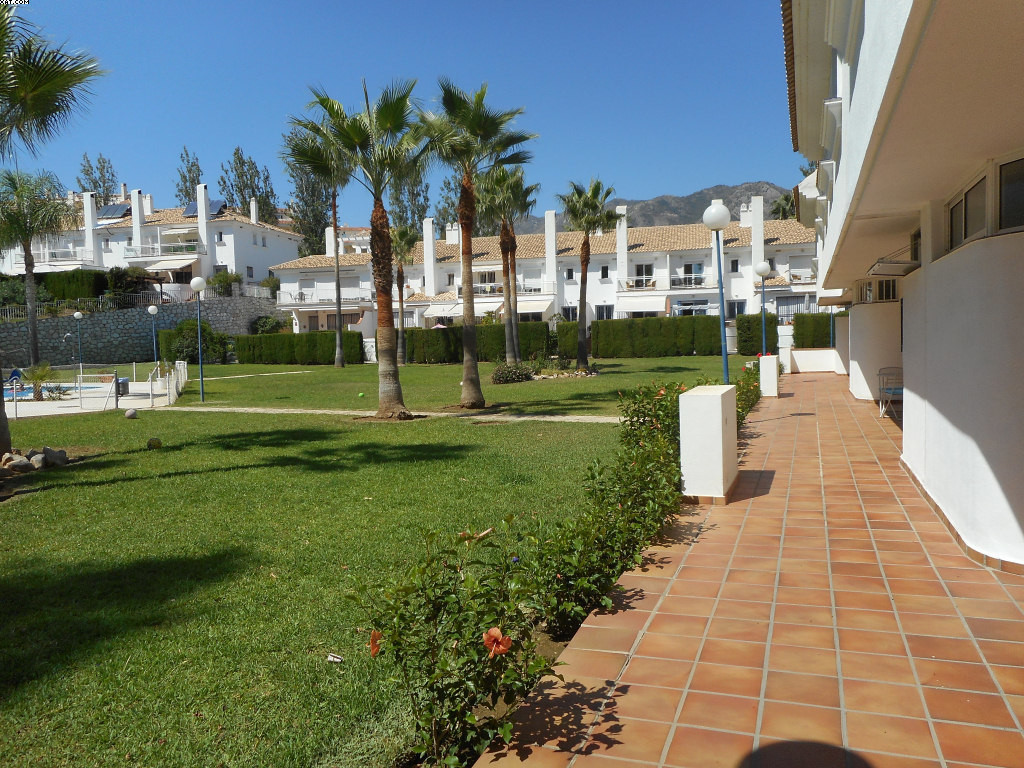 End of terrace, large 3 bedroom townhouse in a very private complex. It has a good sized lounge, wih,Spain