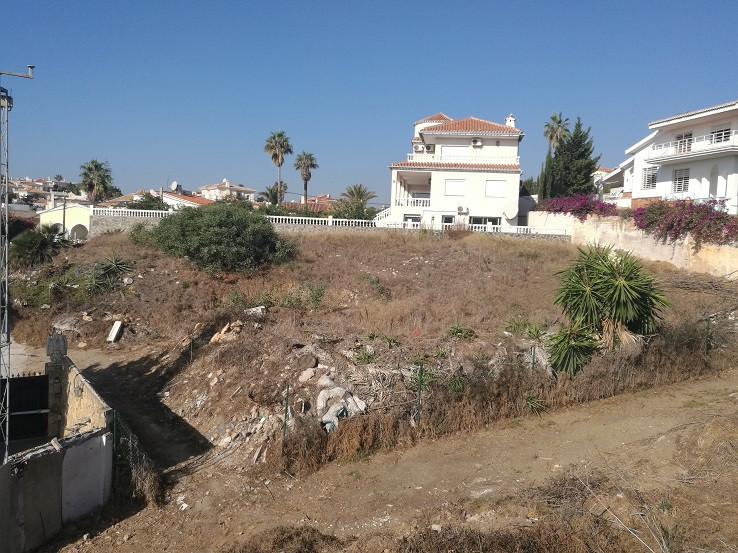 A super opportunity to construct the house of your dreams in a prime location Mijas Costa beachside,, Spain