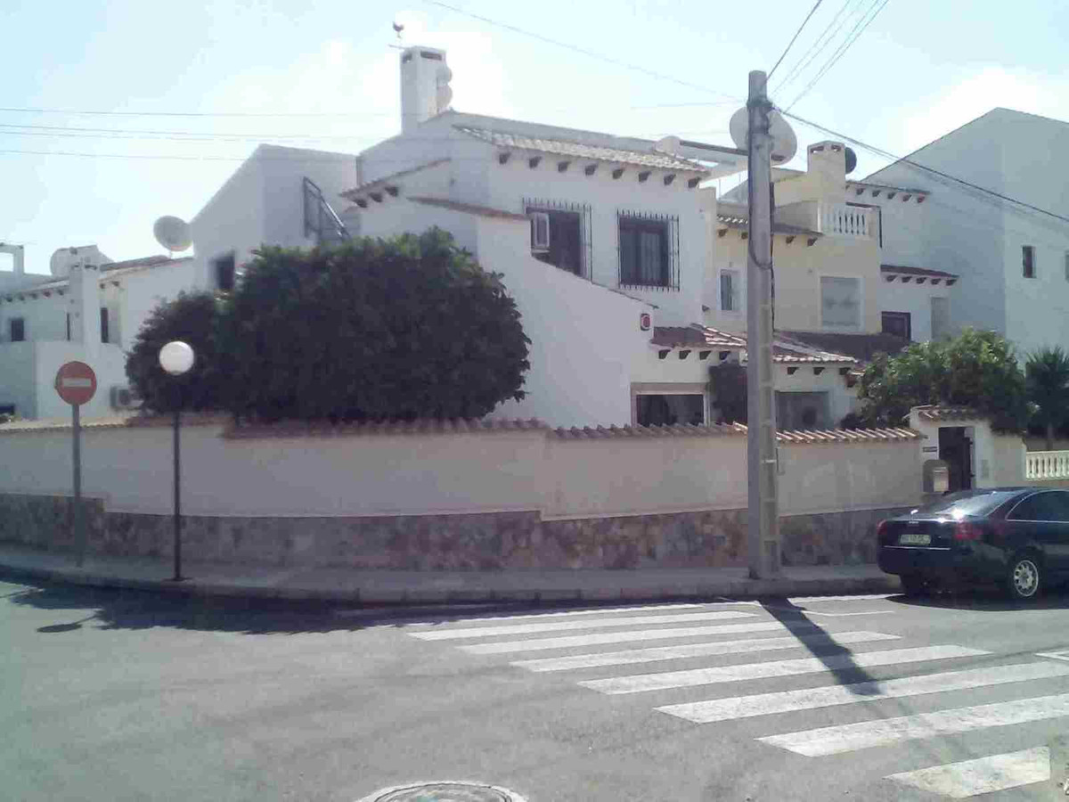 Traditional style semi detached villa in Lomas de Golf. The property has been well maintained and im, Spain