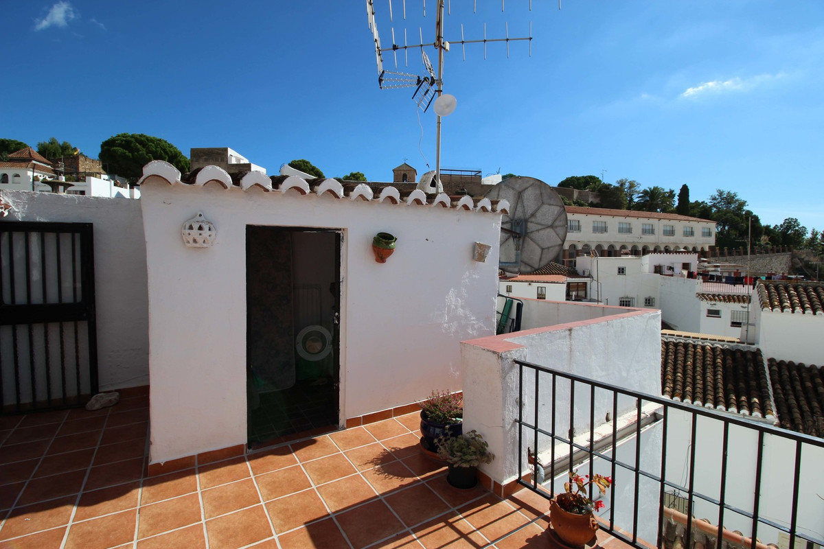 3 BEDROOM TOWNHOUSE IN THE HISTORIC PART OF THE BEAUTIFUL VILLAGE OF MIJAS  This lovely traditional ,Spain