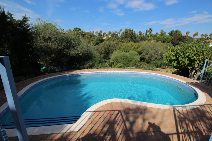 Pretty detached villa, located in the Prestigious Sotogrande development. Famous for its excellent i, Spain