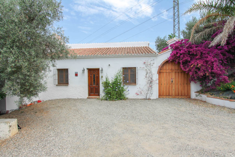 Beautiful villa and stables located in the mountainous outskirts of Alhaurin el Grande and surrounde,Spain