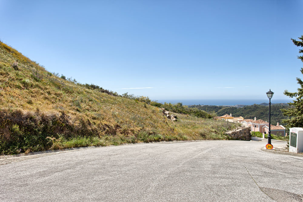 Beautiful flat plot with sea- and mountain views, south to west facing.  Great opportunity for a bui,Spain