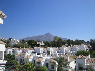 Beautiful 2 Bed Apartment in tranquil location of Nueva Andalucia. The gated complex has secure park, Spain