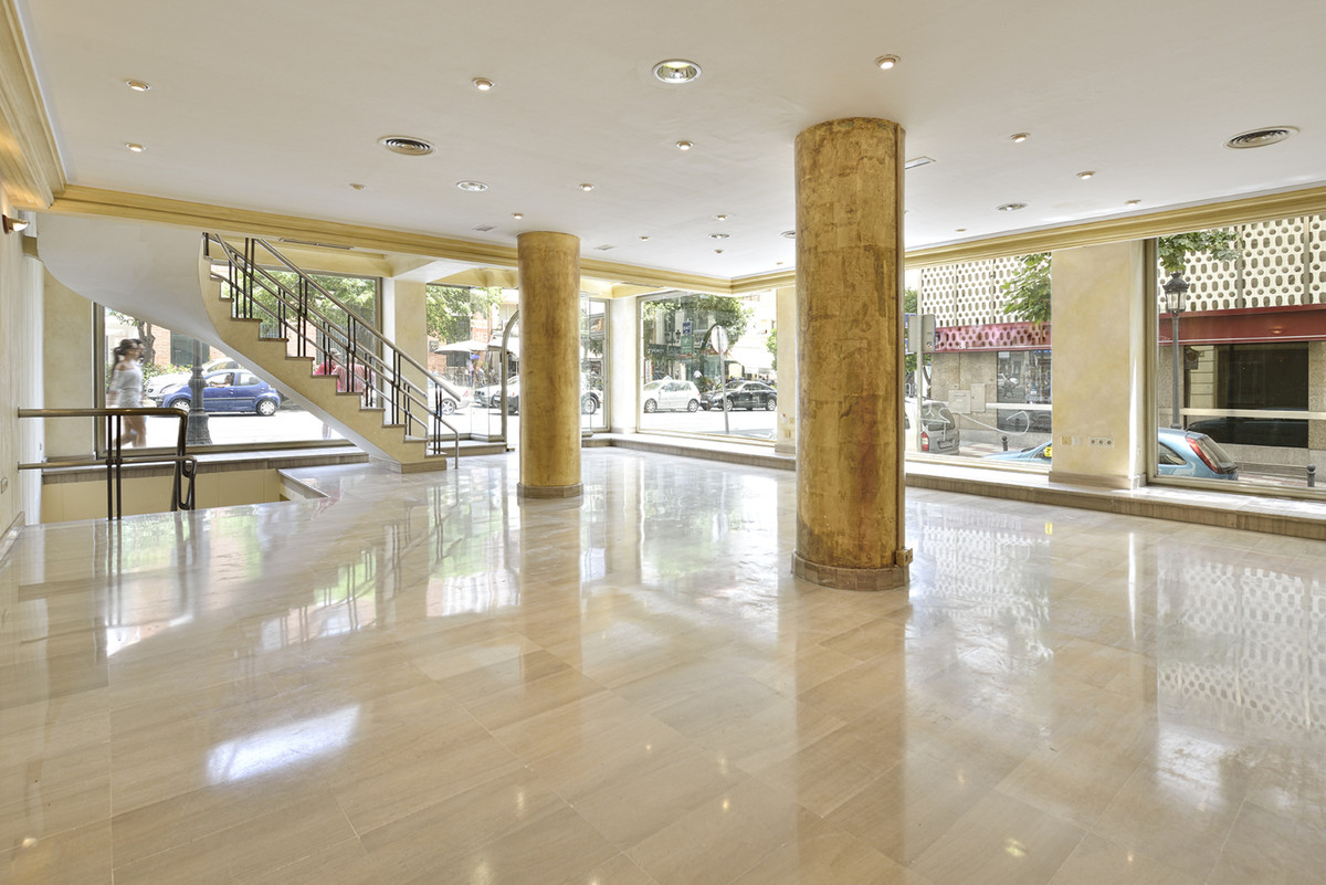 Spectacular local based on the best commercial area in Marbella. It has a distribution of two floors, Spain