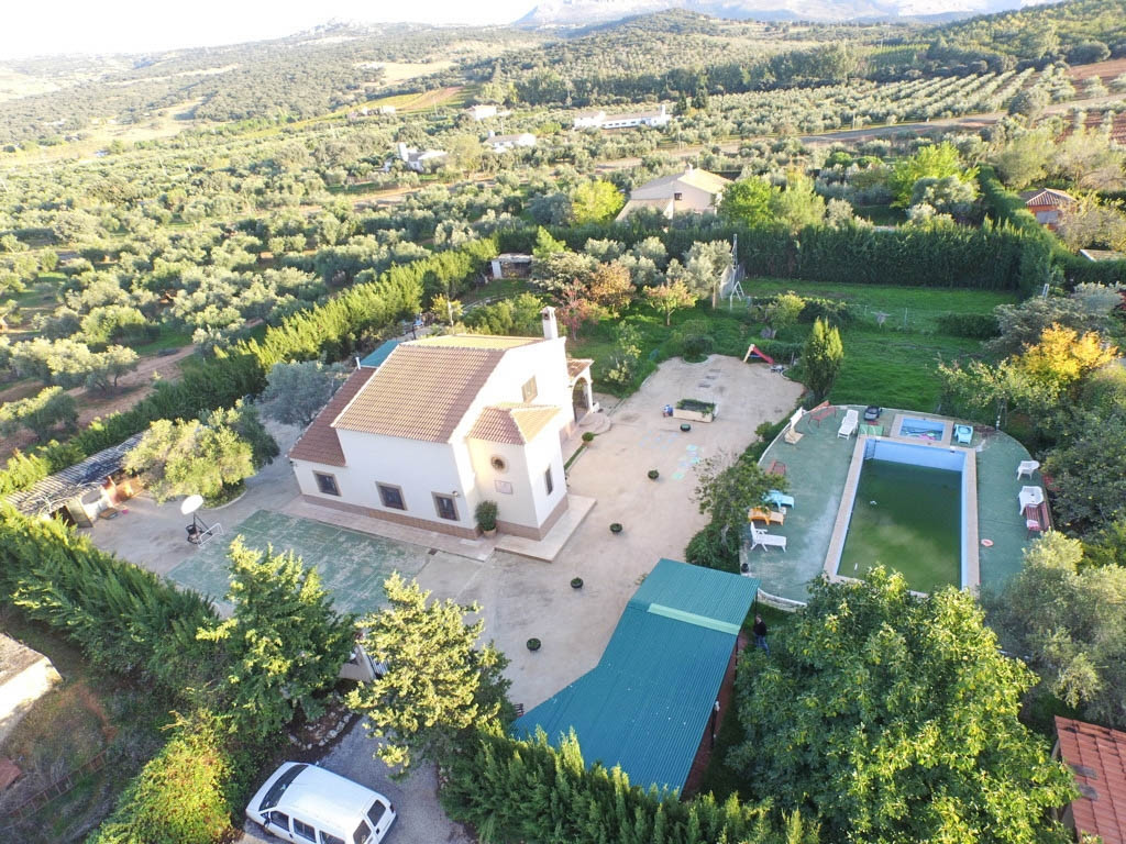 OPPORTUNITY!!  Finca situated in quiet residential area but near to all amenities and with excellent,Spain
