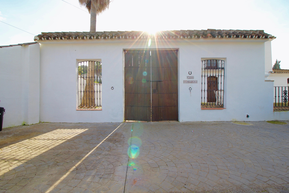 A lovely rustic house in Andalusian style with great opportunities to have a bed and breakfast, retr, Spain