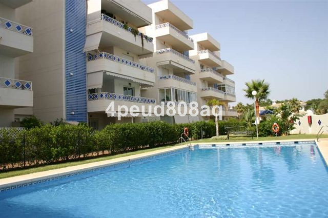 North facing fully furnished corner apartment with golf & mountain views set within the beachsid, Spain