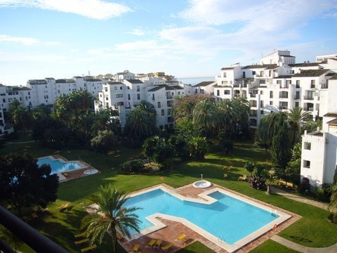 Quiet apartment in the heart of Puerto Banus, Marbella. This is a property located in an undoubtedly, Spain