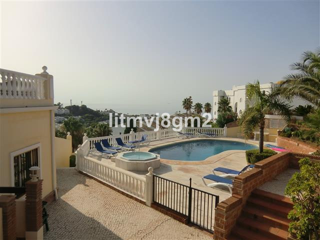 Magnificent apartment in Riviera del sol, just 600 meters from the sea, very high quality of constru,Spain