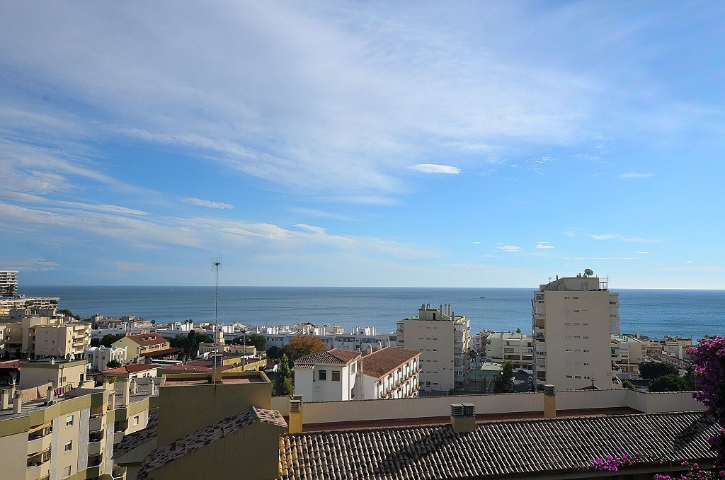 NICE TOP FLOOR STUDIO WITH FANTASTIC SEA VIEWS located at only 500 mts from the beach in the famous ,Spain