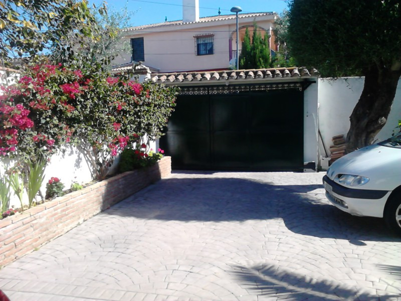 A unique villa situated in the area of El Pinar in Torremolinos. This property is currently used as ,Spain