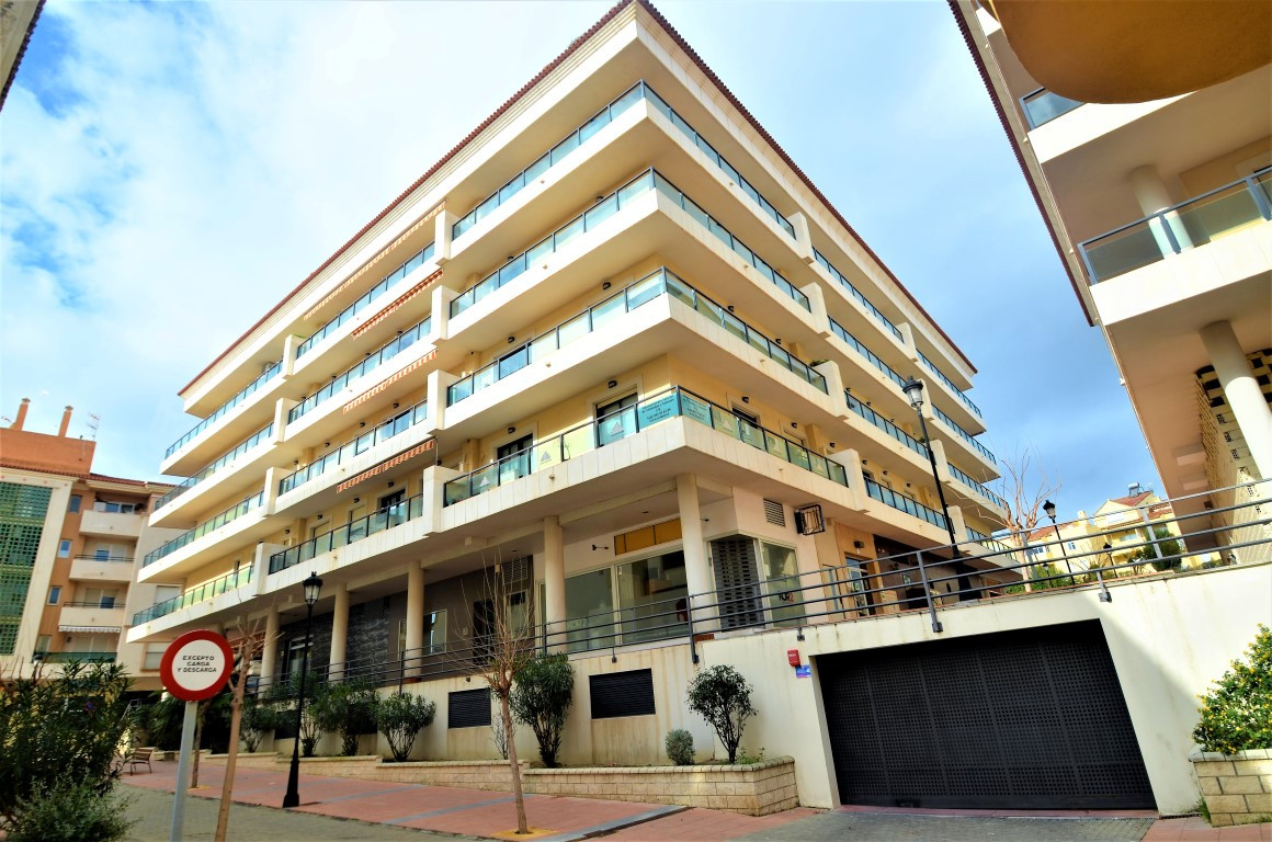 Beautifull apartment in the city center of Sabinillas, with excellent location sorrounding supermark,Spain