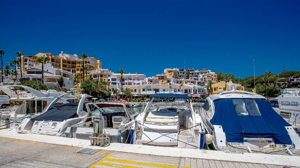 First floor apartment, Puerto de Cabopino, Costa del Sol. Superb opportunity for a buy to let option,Spain