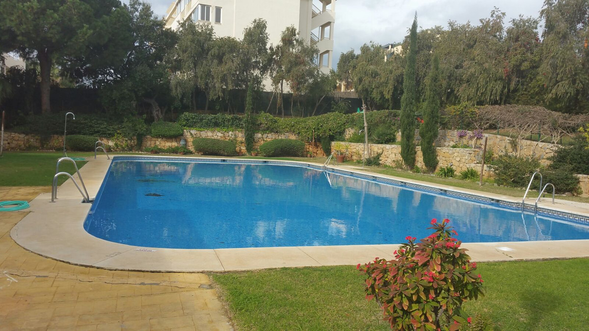 A very well located one bedroom garden apartment in lower Calahonda, just steps away from local amen, Spain