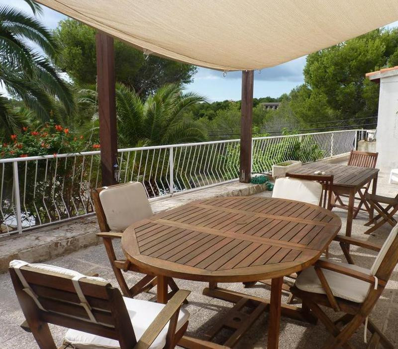 For sale Detached house on two levels, with separate apartment in Cala Vinyas - Calvia of 260m2 on a, Spain