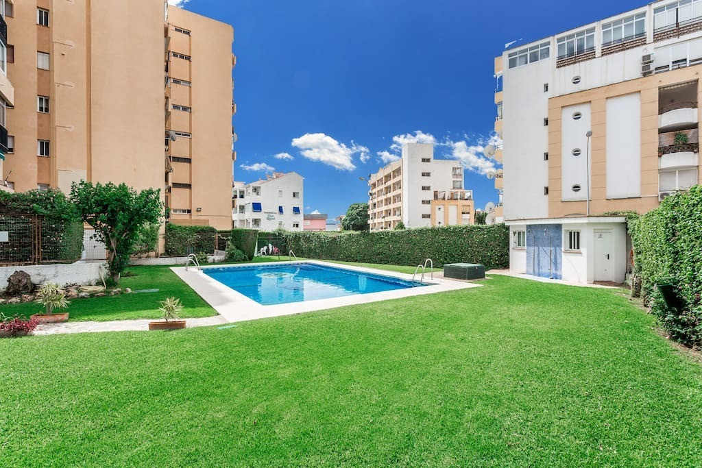 Cozy and simple apartment with beautiful sea views. It has a bedroom and 1 bathroom. A fantastic ter, Spain