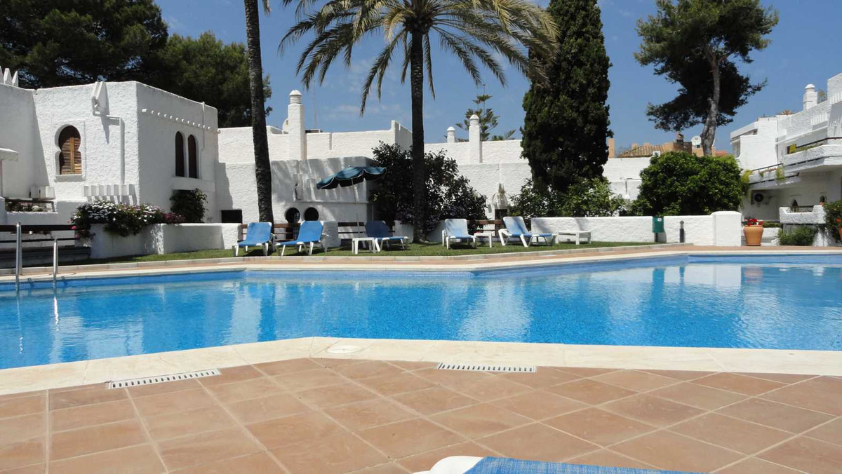 Very spacious 2 bedrooms, 2 bathrooms with a big lounge with dining area and fully fitted kitchen. T,Spain