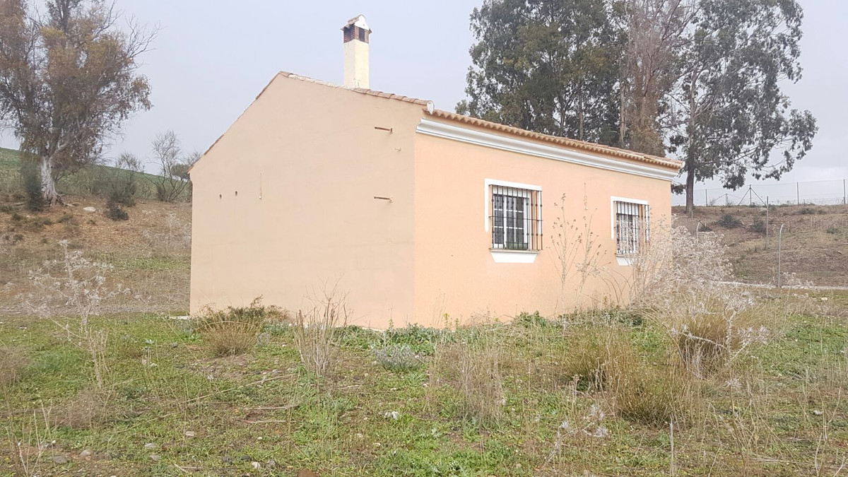 This Finca/Cortijo located in the Cartama countryside with stunning views of the surrounding country,Spain
