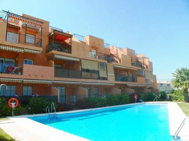 LOVELY PENTHOUSE WITH AMAZING VIEWS - Located in Fuengirola this penthouse offers unobstructed views,Spain