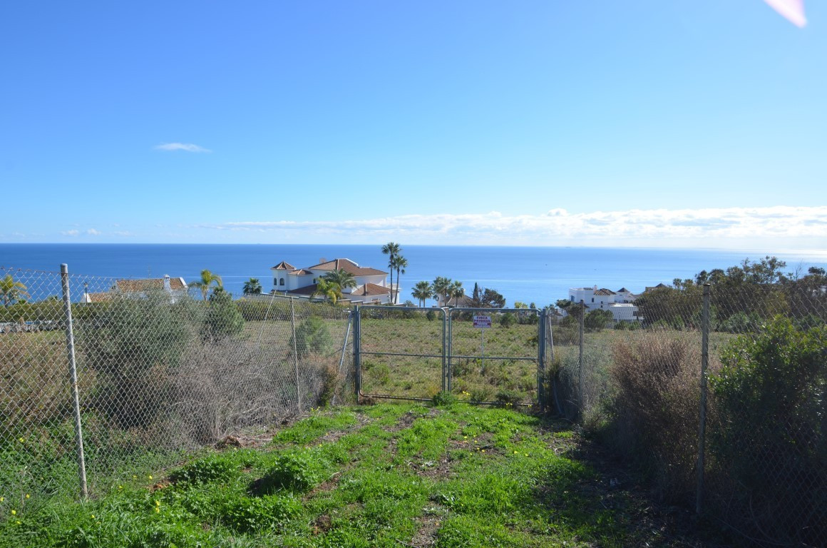 Plot in residential complex with panoramic sea views in the high hills with posibilities to construc,Spain