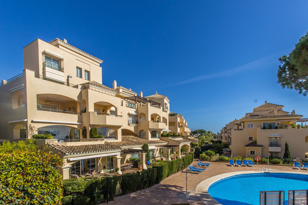 Amazing garden apartment at the well known best complex at the ELviria commercial area with large li,Spain