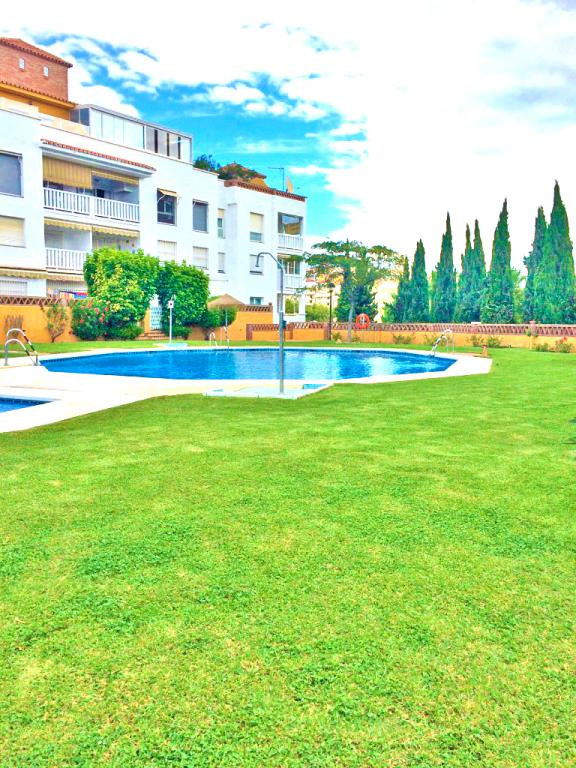Beautiful penthouse in Parque de la Paloma, 7 minutes walk from the beach. Very quiet urbanization t, Spain