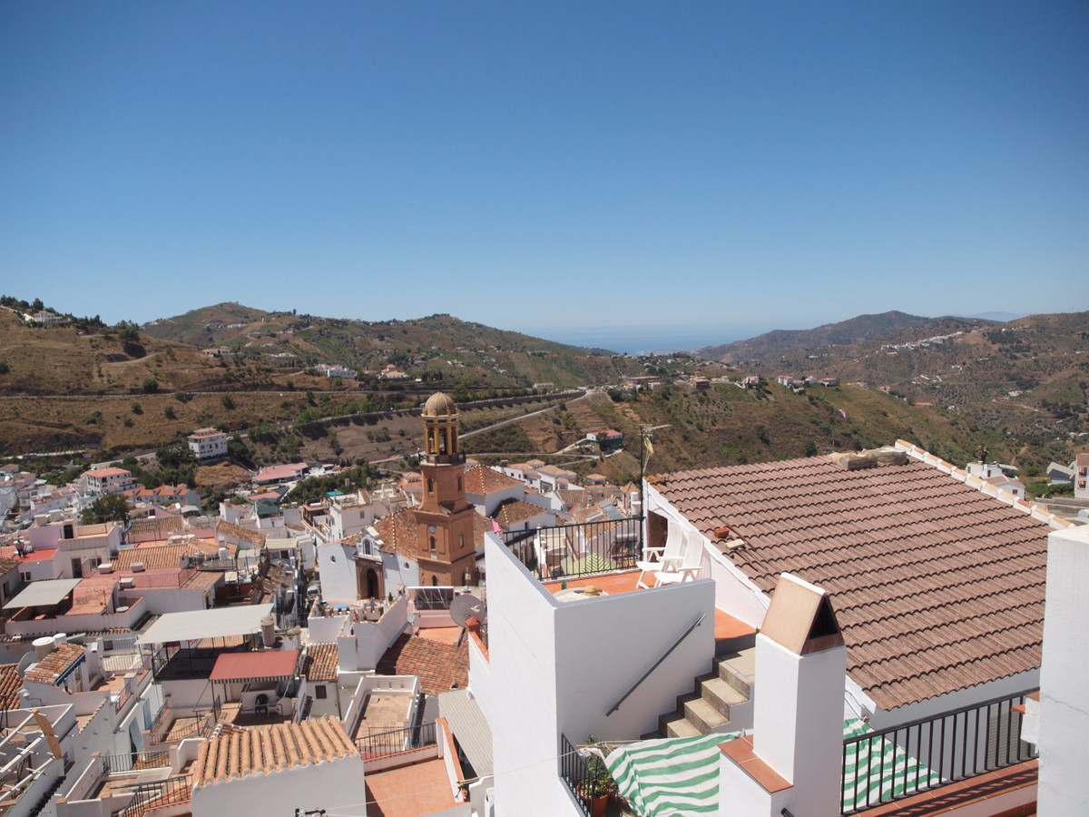 Village house in Competa of 163 m2. The House is composed of two Living-rooms and a spacious dining ,Spain