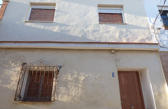 OPPORTUNITY IN VELEZ MALAGA, TOWNHOUSE. House located in Velez Malaga in consolidated neighborhood. ,Spain