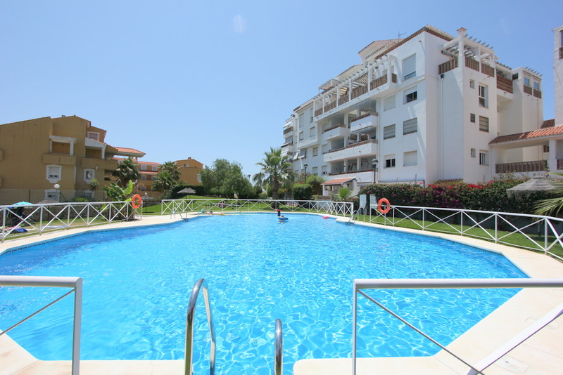 Area Parque de la Paloma!! Excellent location! Within walikng distance to all amenities!   Middle Fl,Spain