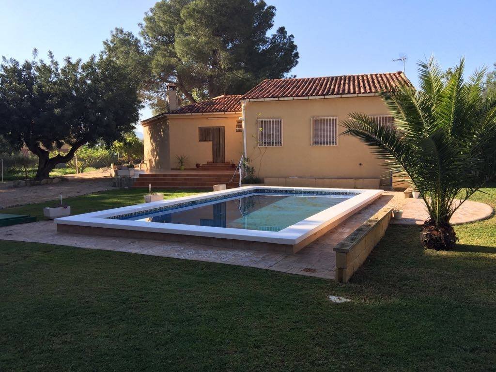 2 properties for the price! A two bedroom guest house with open plan lounge, kitchen and shower room,Spain