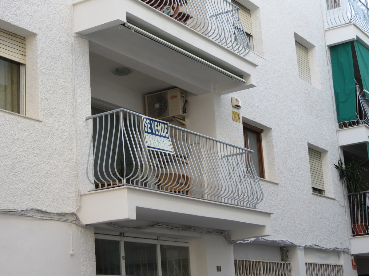 Nice apartment on the first floor in the heart of Altea, just 25 m from the beachpromenade. Center t, Spain