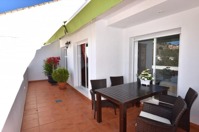 Pricedecrease from 230 000 to 215 000 A beautiful and quiet situated penthouse with spacious, bright, Spain