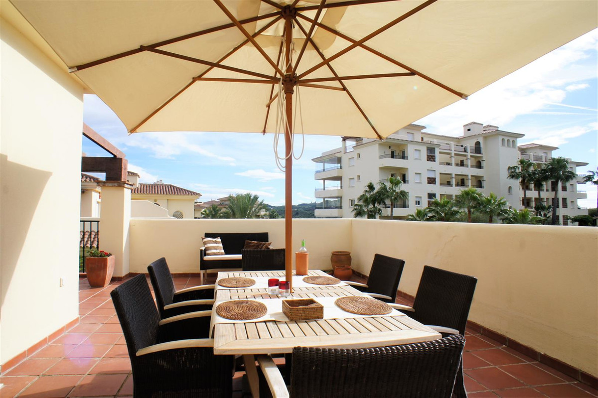 Lovely spacious and well maintained penthouse with a huge surround, mainly South facing terrace. Won,Spain