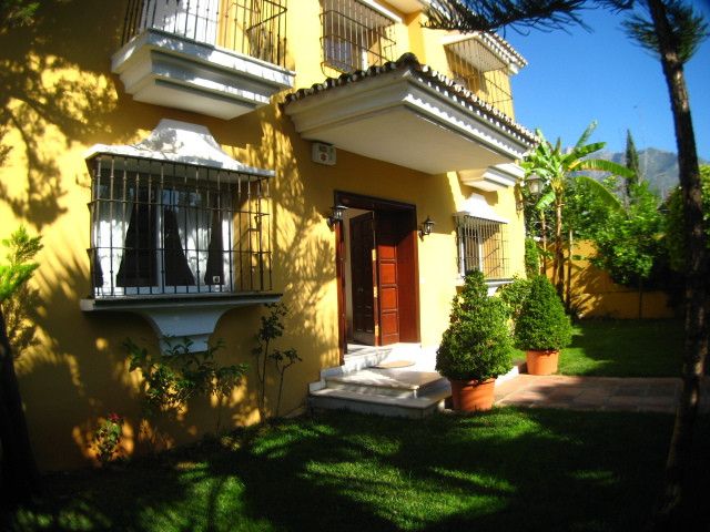 Villa located in Marbella, right in a residence inside the old town, what makes it being surrounded ,Spain
