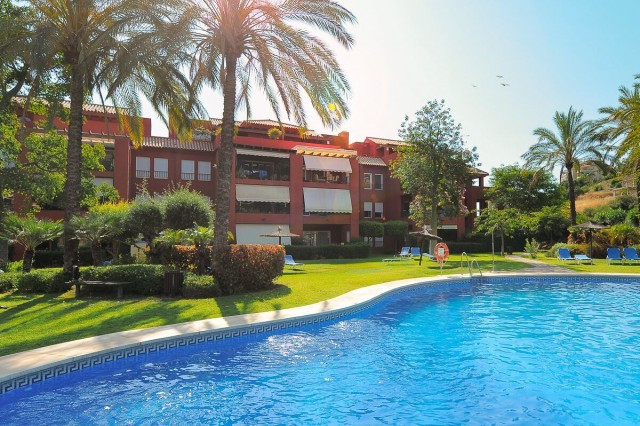 This is an open and bright, modern and very well maintained duplex penthouse with a large west facin,Spain