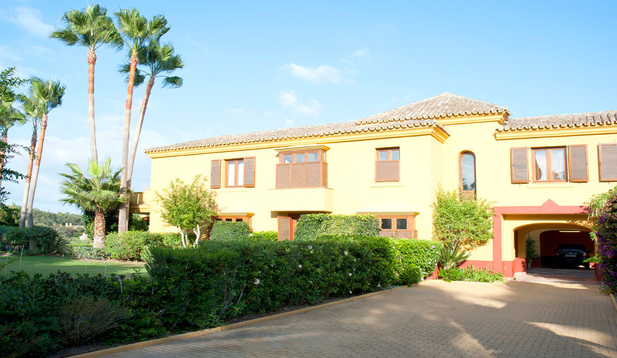 Magnificent Villa Located in the fine complex of Sotogrande, through an electric gated entrance you , Spain