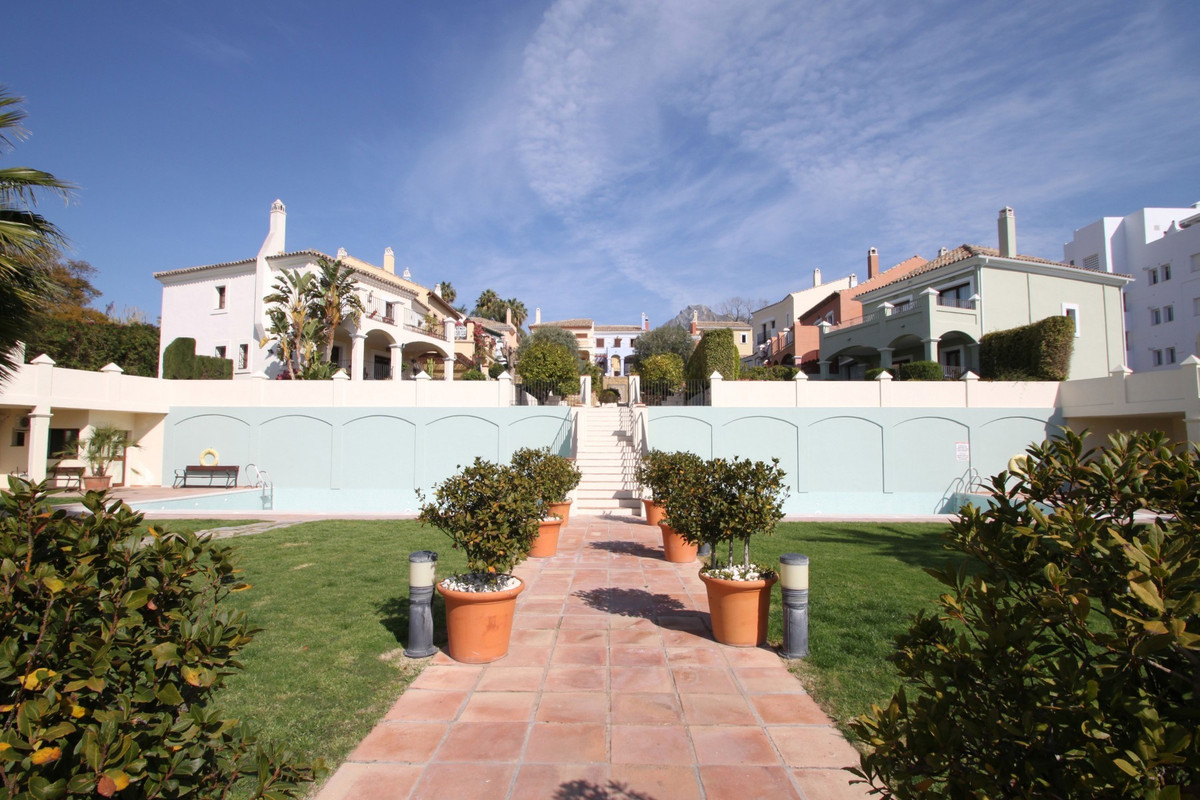 SEA VIEWS · South-facing townhouse with superb sea views in the heart of the Golden Mile, stone',Spain