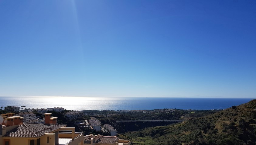 Two bedroom and two bathroom apartment in the upper part of Calahonda, Mijas Costa. Located close to,Spain