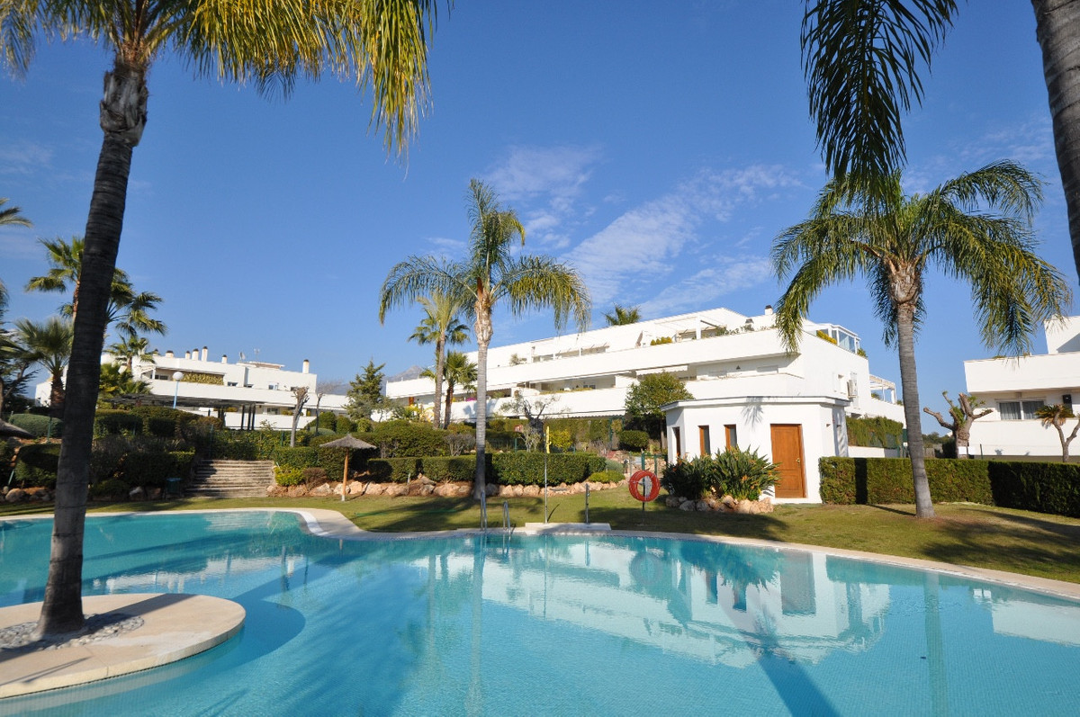 BARGAIN IN CENTRAL POPULAR AREA NEAR PUERTO BANUS. Nice apartment with a huge southfacing terrace. L, Spain