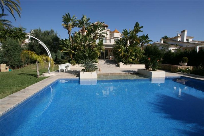 Beautiful villa situated very close to the beach, amenities and all kind of services. The property b,Spain