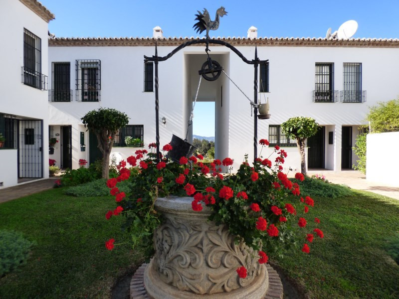 Renovated and wonderful townhouse first line Golf  in the beautiful area of Mijas Golf, only 5 minut, Spain