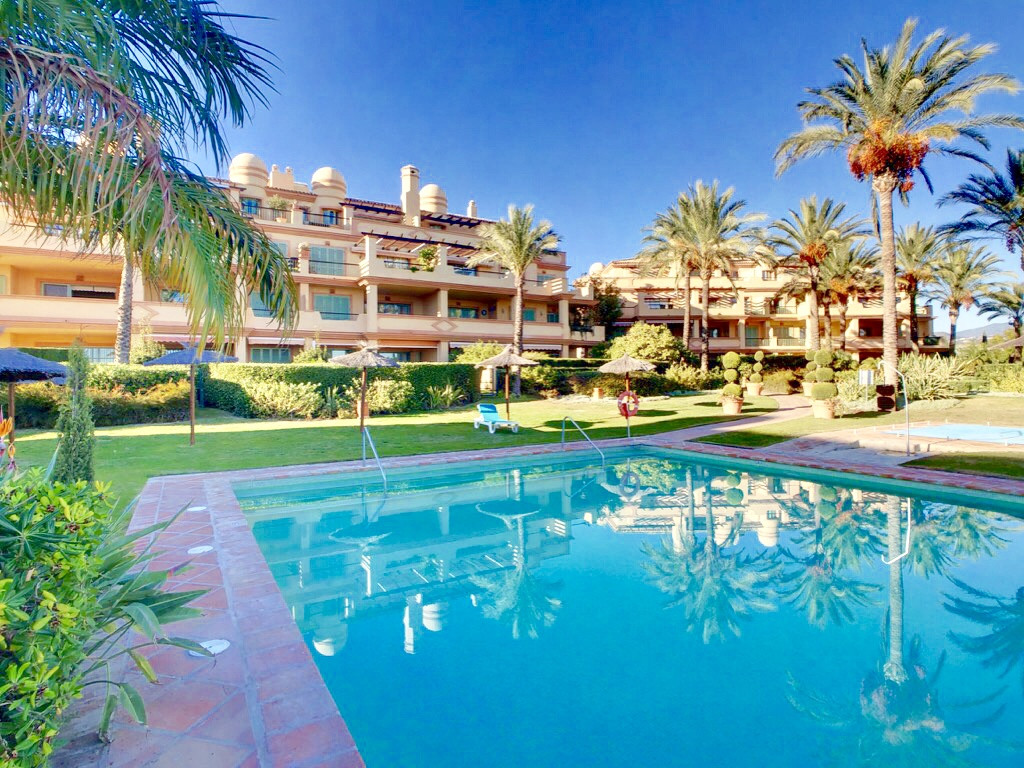 Stunning and spacious 3 bed corner apartment in the prestigious Four Seasons Flamingos, nestled with,Spain