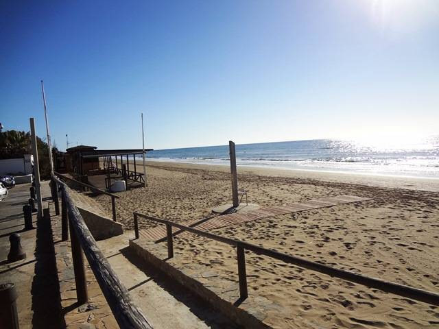 Excellent property by the beach in Las Chapas Playa located a short walk from the beach. The propert, Spain