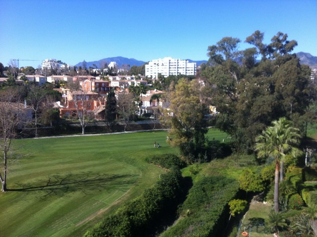 PRICED TO SELL QUICKLY - PLEASE ENQUIRE FOR DETAILS The best 3 bed Penthouse duplex at Guadalcantara,Spain