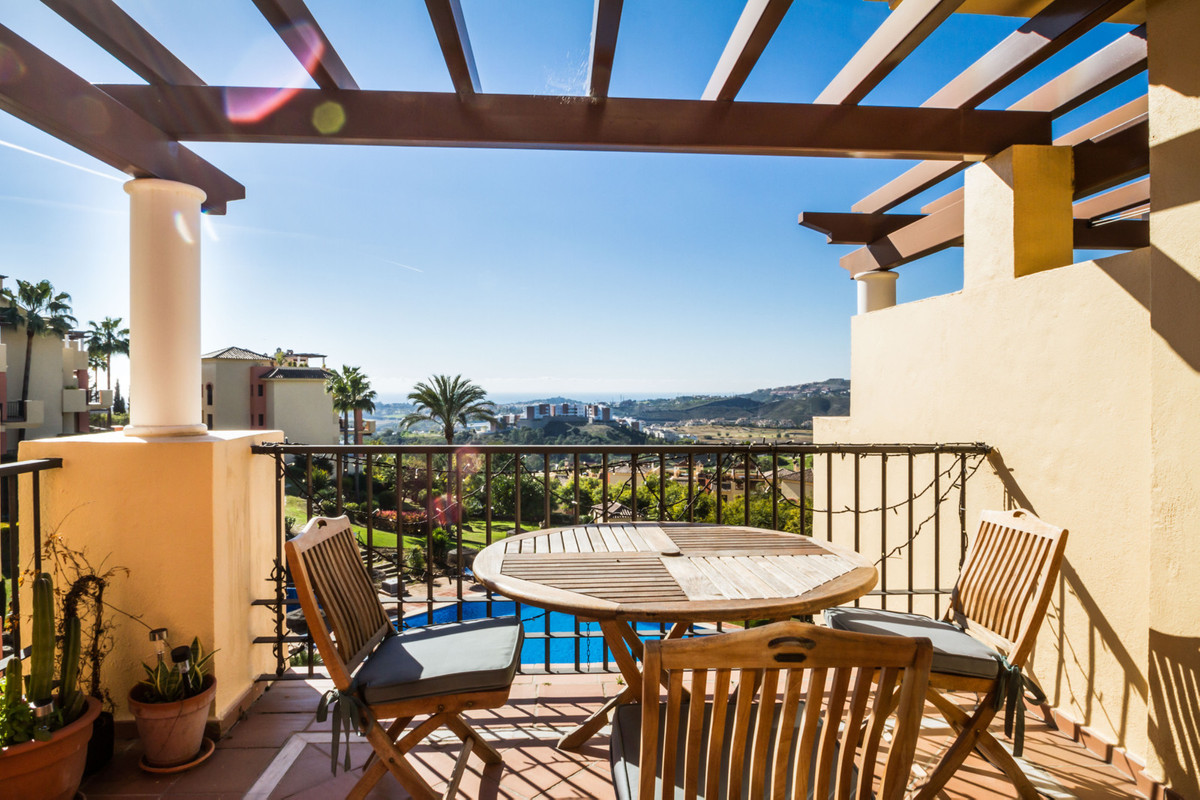 A lovely 2 bed 2 bath penthouse with beautiful sea views and mountain views and a private roof solar,Spain