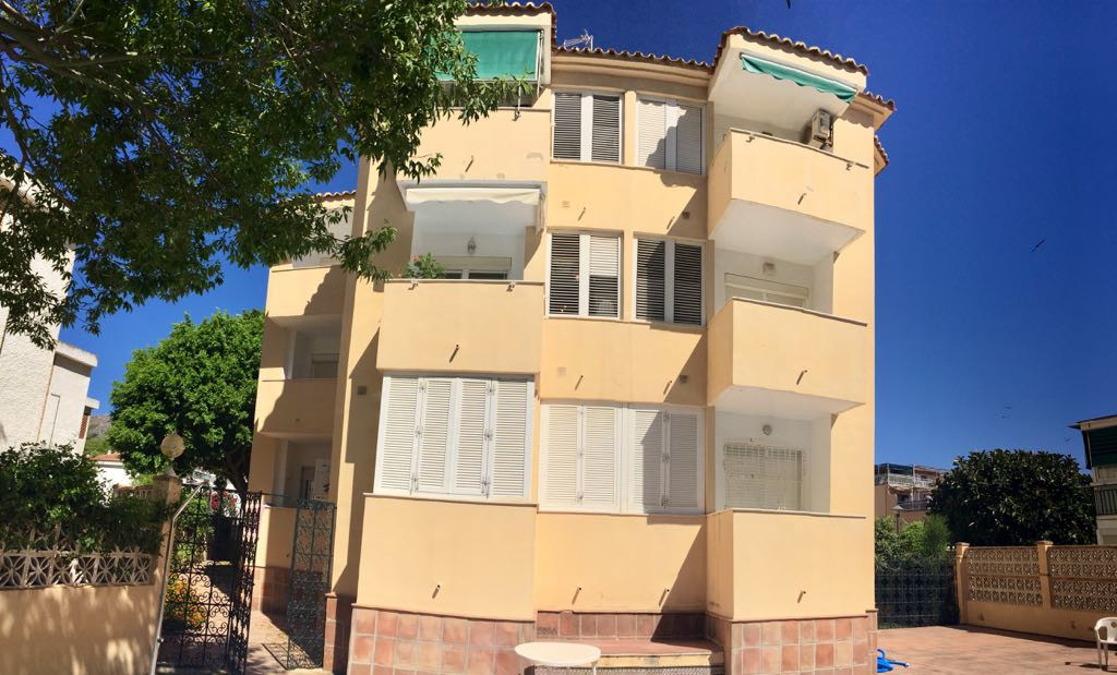 Very nice, newly reformed and well located 2 bedroom and 1 bathroom apartment for sale in Playamar. ,Spain