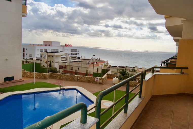 Middle Floor Apartment, Torrequebrada, Costa del Sol. 2 Bedrooms, 2 Bathrooms, Built 80 m², Terrace , Spain