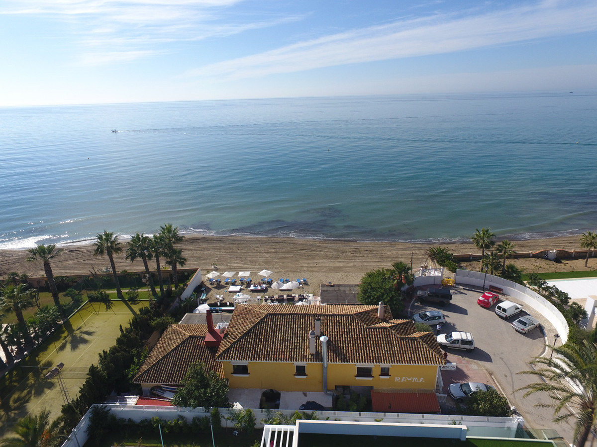 Chiringuito on a 1.200m big Plot with its own beach close to Marbesa.   The property is half Restaur,Spain