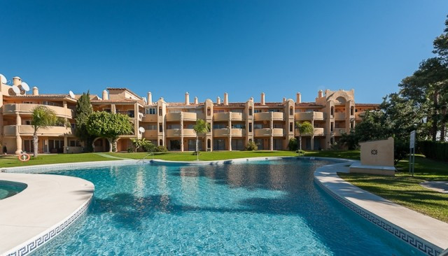 Originally listed for 220,000€ and recently reduced to 187,950€. This lovely penthouse lies on a gat, Spain